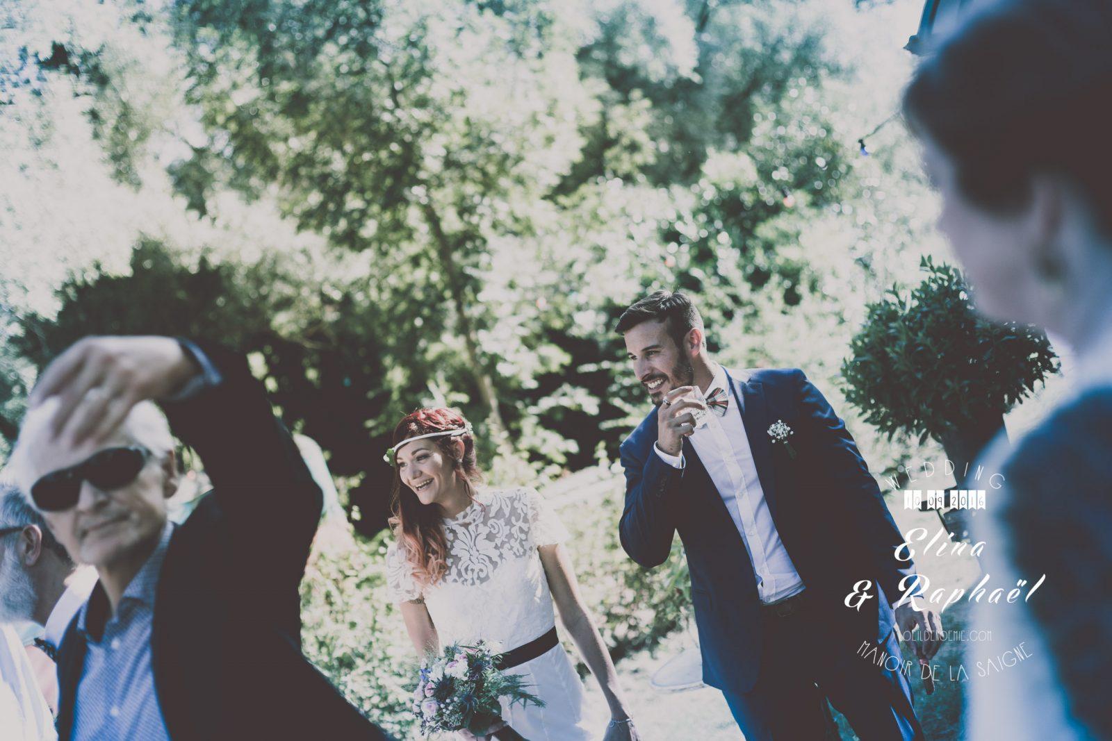 belle photo lifestyle de mariage, manoir de la saigne, par L'oeil de Noémie, photographe de mariage à Vichy en Auvergne