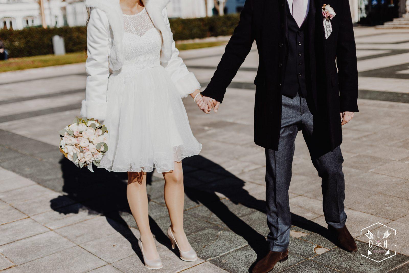 photo moderne de mariage, préparatifs du mariée, L'oeil de Noémie élue meilleur photographe de mariage en Auvergne, France.
