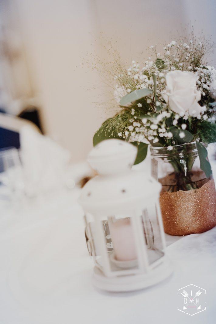 belle photo décoration de table mariage, L'oeil de Noémie élue meilleur photographe de mariage en Auvergne, en France.