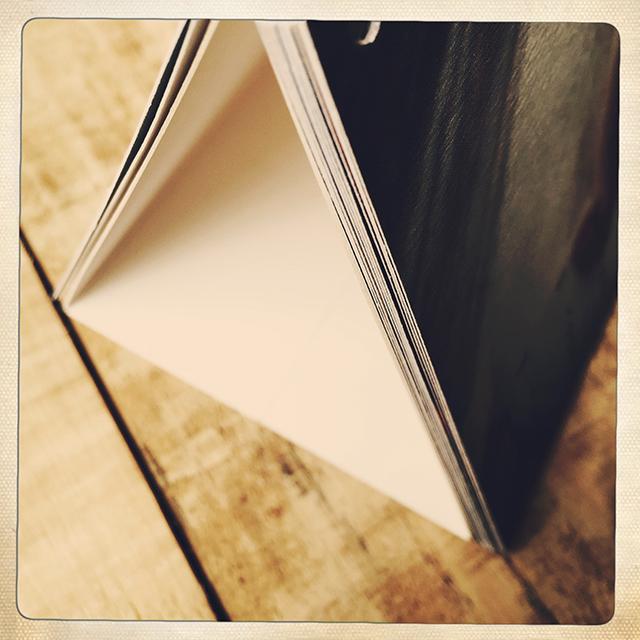 calendrier photo à poser par L'oeil de Noémie, photographe mariage et famille à Clermont-Ferrand, auvergne