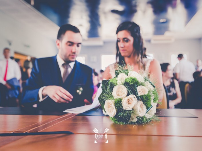 Photo artistique couplé mariés à Clermont-Ferrand, par L'oeil de Noémie, photographe de mariage en Auvergne