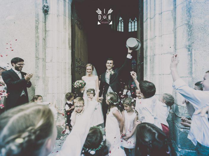 photo de jeunes mariés, château de Beaujeu, Sancerre, par L'oeil de Noémie photographe spécialisée dans le mariage à Clermont-Ferrand en Auvergne, et partout en France