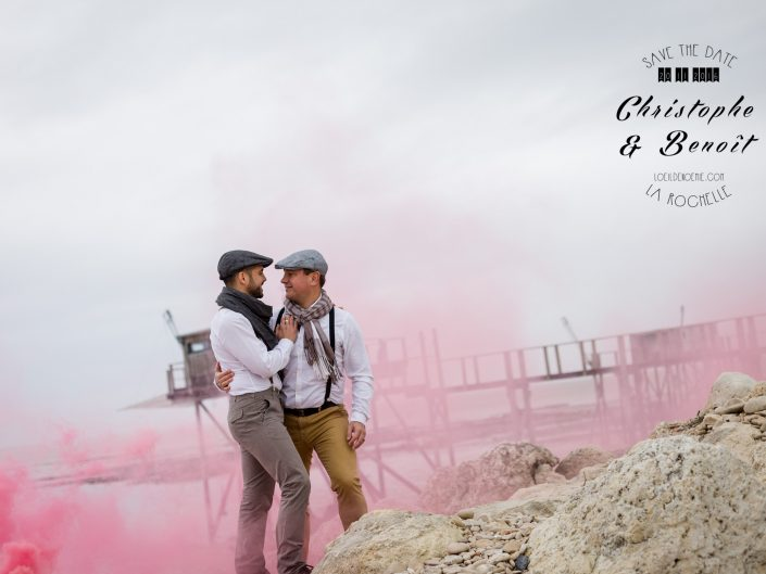 fumigène, amour, couple gay, mariage pour tous, séance photo engagement à la Rochelle, par L'oeil de Noémie photographe de mariage à La Rochelle et partout en France
