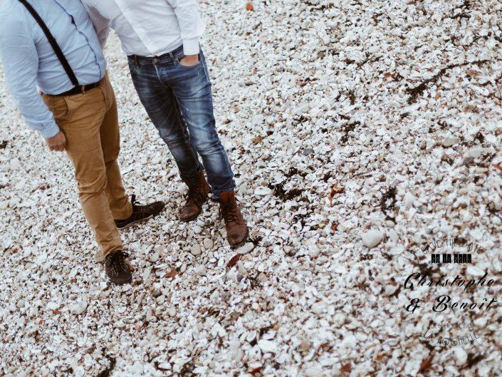 save the date, plage la rochelle, poitou charentes, séance photo engagement à la Rochelle, par L'oeil de Noémie photographe de mariage à La Rochelle et partout en France