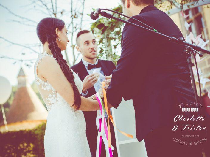 cérémonie laïque mariage, belle photo de mariage, château de Miremont, Auvergne, L'oeil de Noémie photographe à Vichy, en Europe