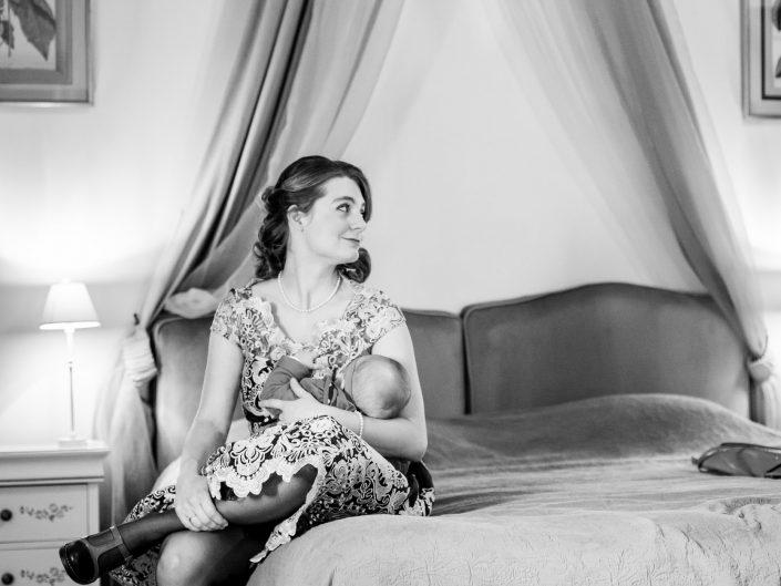 photo artistique de mariage, préparatifs de la mariée, château de Maulmont en Auvergne, par L'oeil de Noémie photographe mariage à Vichy et partout en France