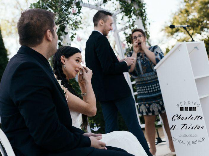 larmes d'émotions, belle photo de mariage, château de Miremont, Auvergne, L'oeil de Noémie photographe à Vichy, en Europe
