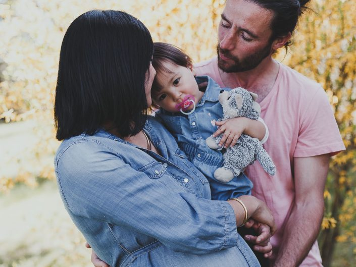 photos de grossesse, belle photo de grossesse moderne, L'oeil de Noémie photographe lifestyle et reportage à Vichy en Auvergne