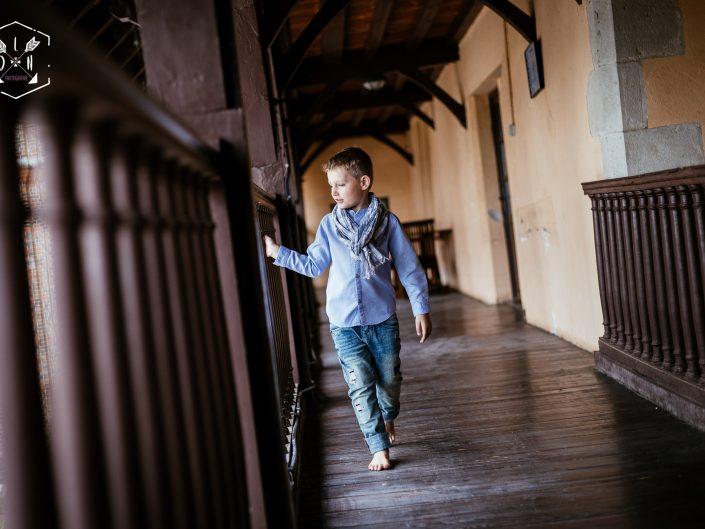 portrait original jeune garçon, château de Maulmont, Allier, L'oeil de Noémie élue meilleure photographe d'Auvergne en 2017