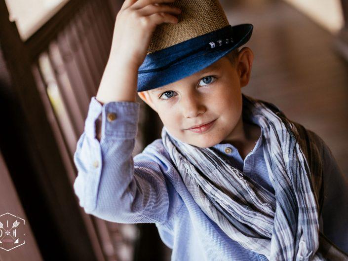 beau portrait original jeune garçon, château de Maulmont, Allier, L'oeil de Noémie élue meilleure photographe d'Auvergne en 2017
