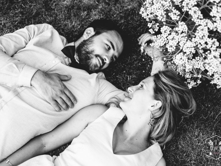 magnifique séance engagement, photo de couple originale, L'oeil de Noémie élue meilleur photographe de mariage en Auvergne