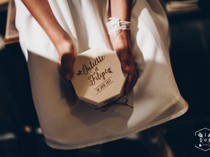 boite alliances en bois, mariage Auvergne, L'oeil de Noémie meilleure photographe de mariage, Clermont-Ferrand, Puy de Dôme