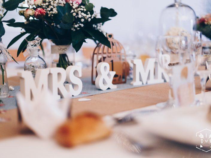 se marier, sublime photo de décoration de table de mariage, L'oeil de Noémie meilleur photographe de mariage en Auvergne, espace des Chanvres, Puy de Dôme