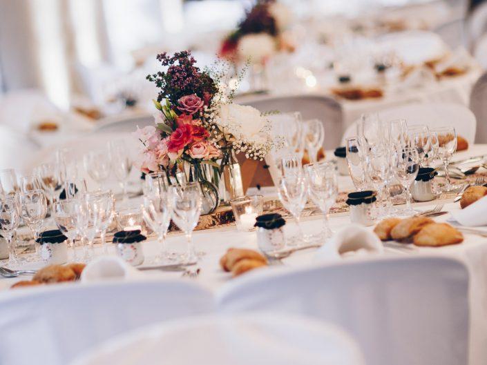 mariage chic et gourmand, décoration de table mariage, wedding details, L'oeil de Noémie reportage photo mariage, Château de Saulnat, Puy de Dôme