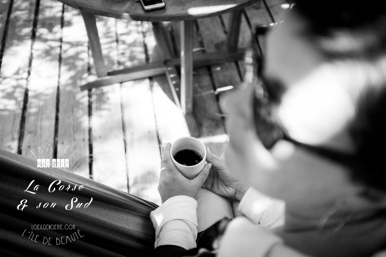 Pause café en Corse, L'oeil de Noémie photographe et blogueuse voyage en Corse