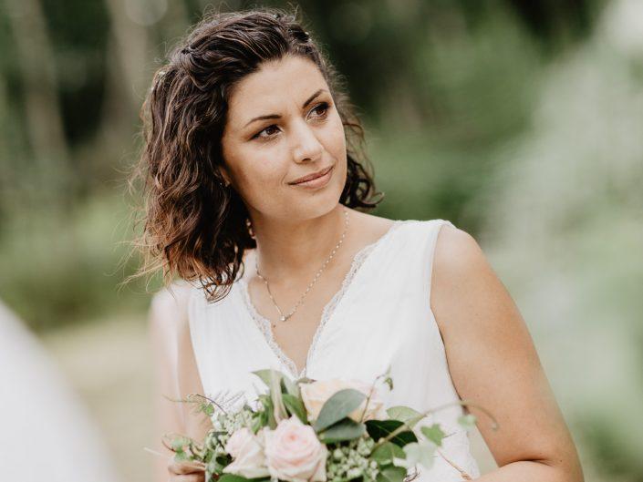 belle photo mariage nature et décontracté dans le Puy de Dôme, L'oeil de Noémie élue meilleur photographe de mariage en 2017
