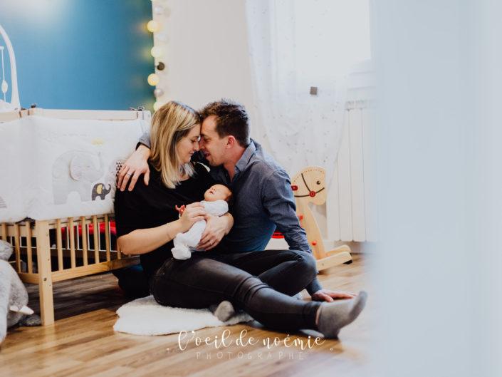 Photos de naissance façon lifestyle, en Auvergne, façon cocooning