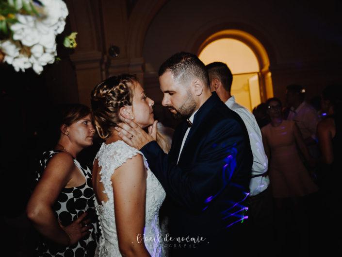 mariage chic château de la Canière à Thuret dans le Puy de Dôme. L'oeil de Noémie, meilleur photographe mariage Auvergne, par ziwa. art wedding photography
