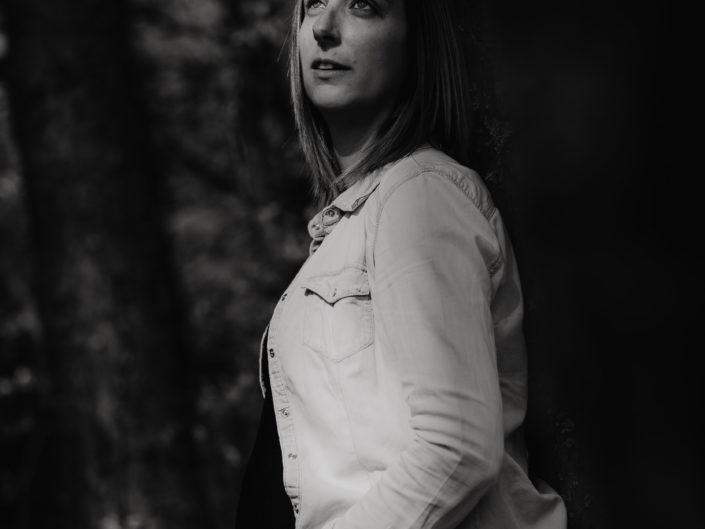 inspiration photo grossesse en extérieur par L'oeil de Noémie photographe auvergne