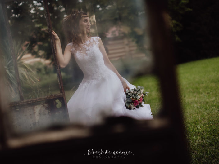 mariage conte de fées au Château de Theillat, près de Vichy. Belle photo mariage originale, L'oeil de Noémie