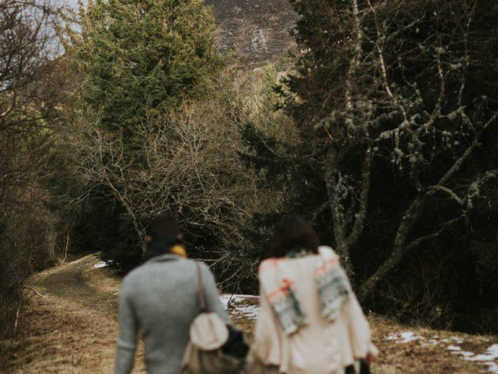 photos originales de grossesse en hiver vers Clermont-Ferrand en Auvergne, L'oeil de Noémie photographe grossesse Clermont-Ferrand en Auvergne