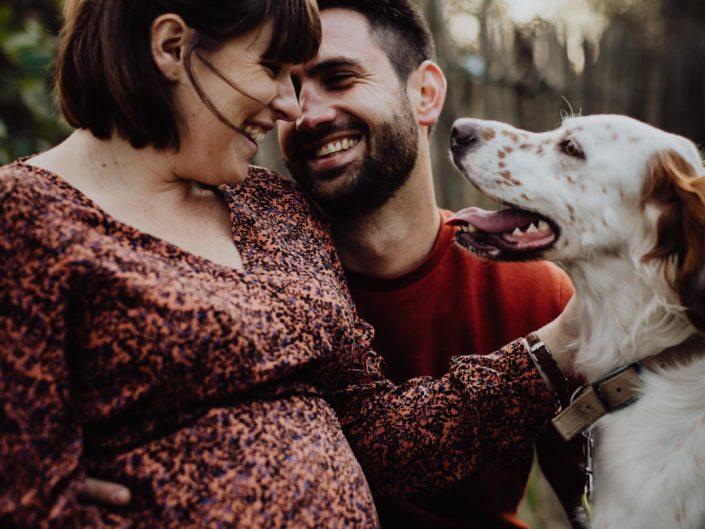 séance photos en famille avec son animal de compagnie